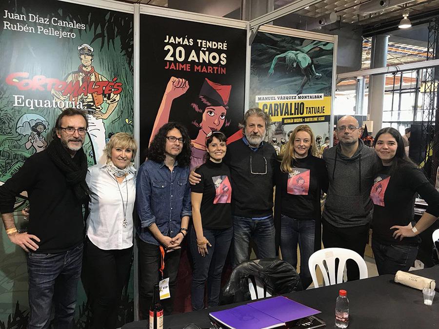 Foto grupal durante el Heroes Comic Con de Valencia