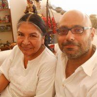 Hernán junto a Tarcila Rivera Zea, líder quechua, fundadora de Chirapaq y miembro del Foro Permanente para las Cuestiones Indígenas de las Naciones Unidas (Foto de Verónica Vargas)